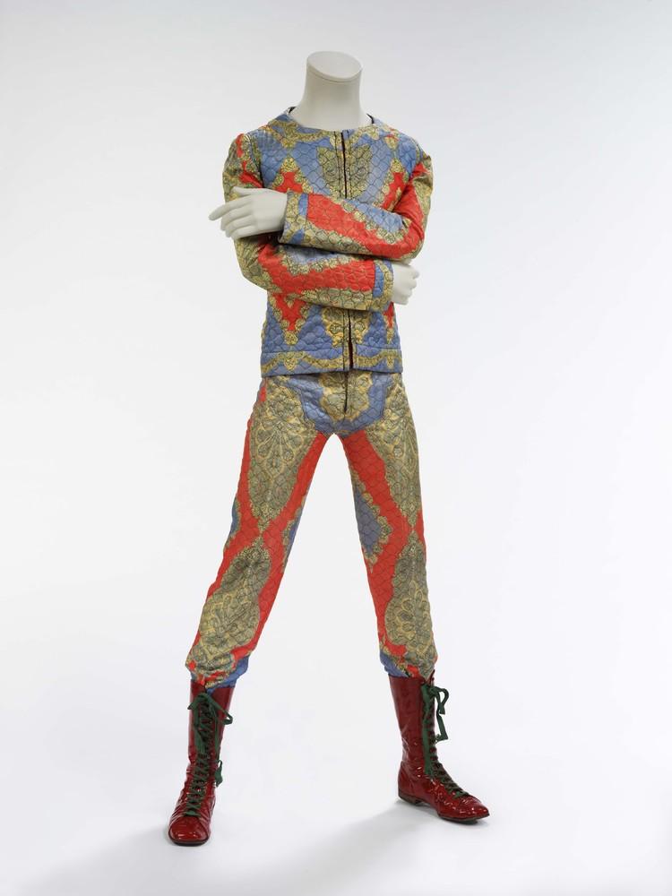 Costume de scène dessiné par Freddie Burretti pour le Ziggy Stardust tour, 1972.